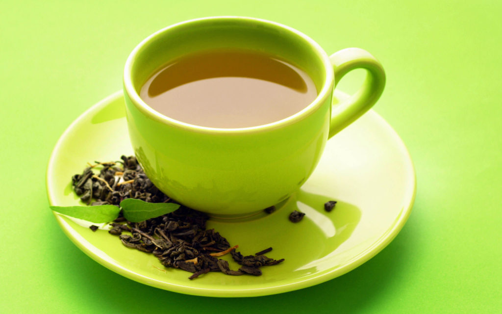 Drink green tea every day to get glowing skin on your wedding day