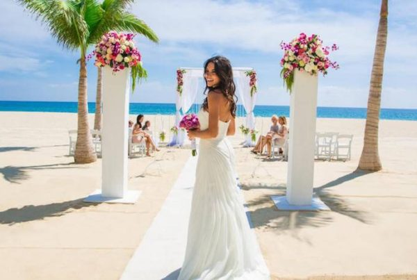 how-to-find-perfect-hair-and-makeup-artist-for-your-destination-wedding